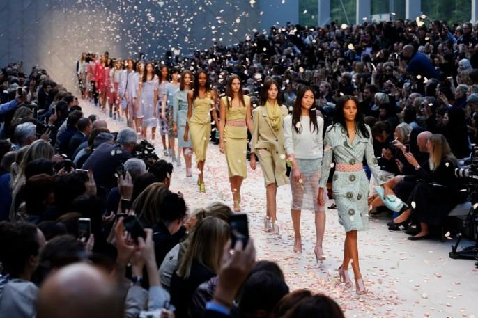 Défilé Burberry Prorsum printemps-été 2014 pendant la Fashion Week londonienne / Reuters