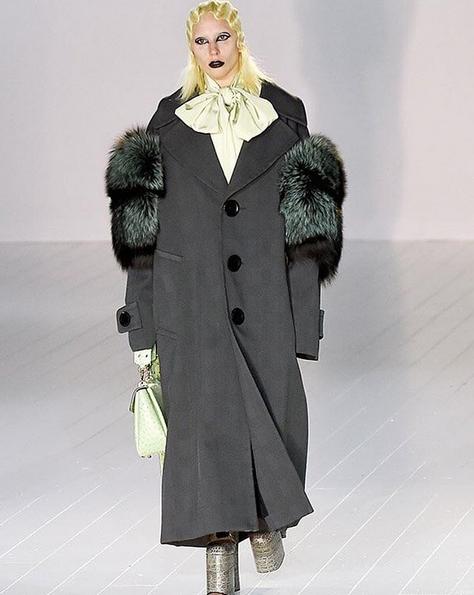 Lady Gaga défile pour Marc Jacobs, photo publiée sur le compte Instagram de Lady Gaga